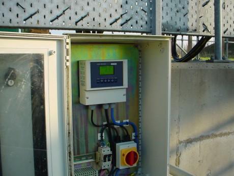 7200 Monitor in Enclosure
